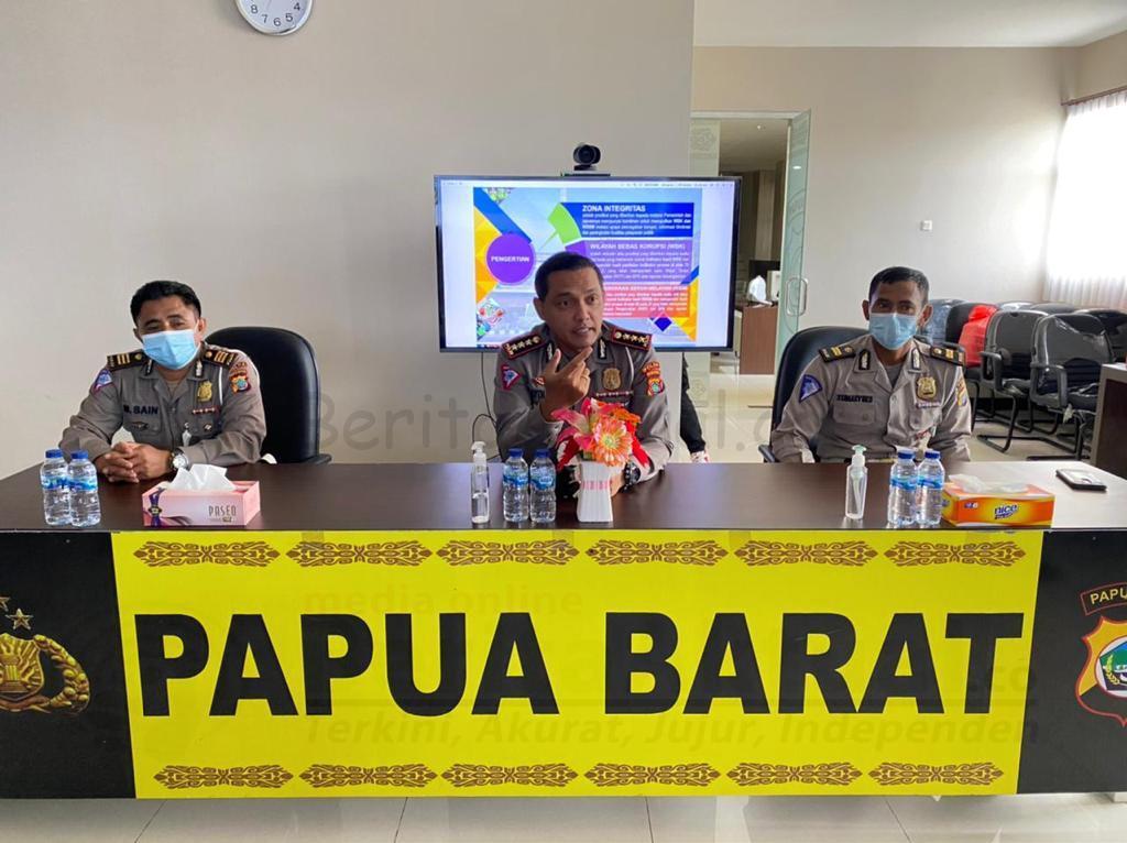 Komit Bebas Korupsi Dan Bersih Melayani, Ditlantas Polda Papua Barat Tandatangani Pakta Integritas 2 IMG 20210302 WA0163