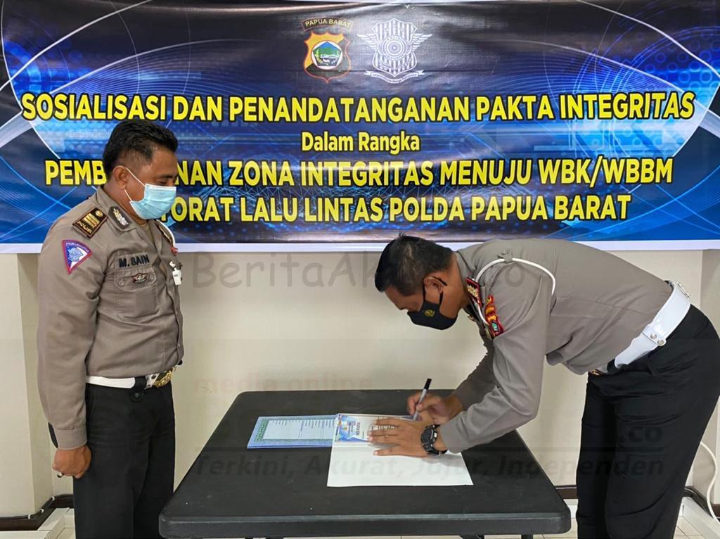 Komit Bebas Korupsi Dan Bersih Melayani, Ditlantas Polda Papua Barat Tandatangani Pakta Integritas 1 IMG 20210302 WA0169