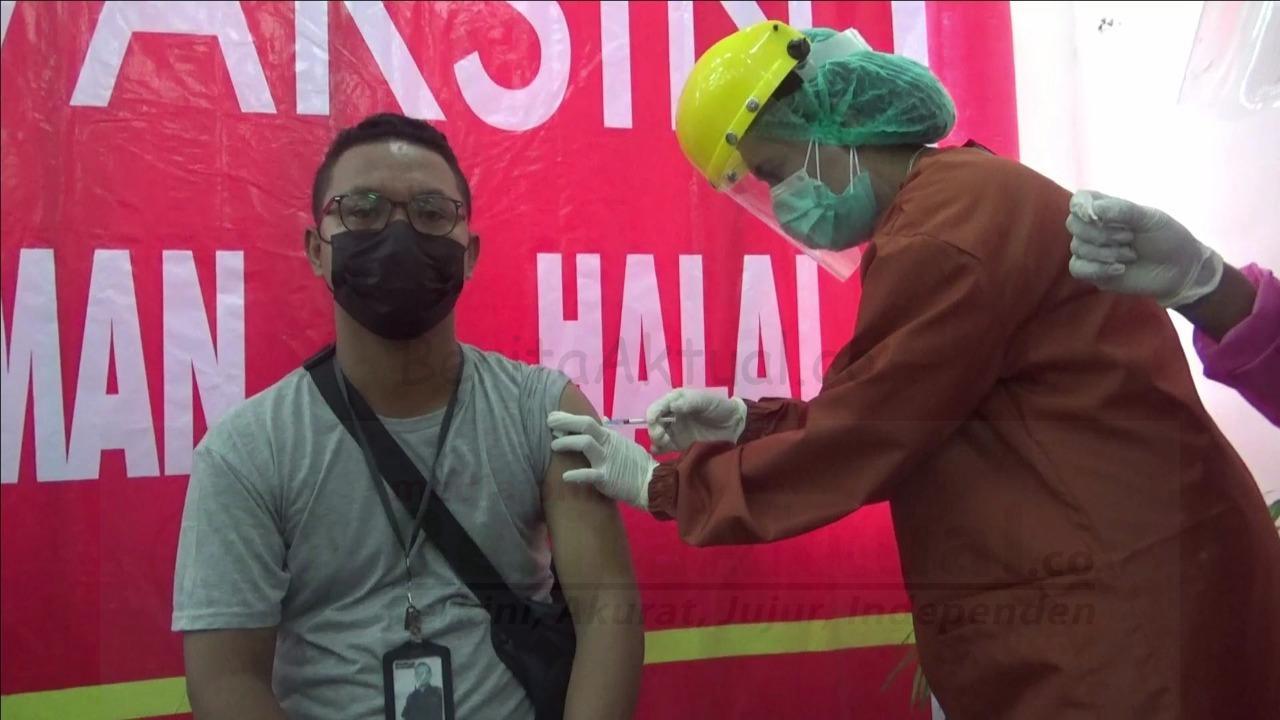 Wartawan di Sorong Ikut Vaksinasi Tahap II Bersama PNS Dan TNI-Polri 1 IMG 20210303 WA0049