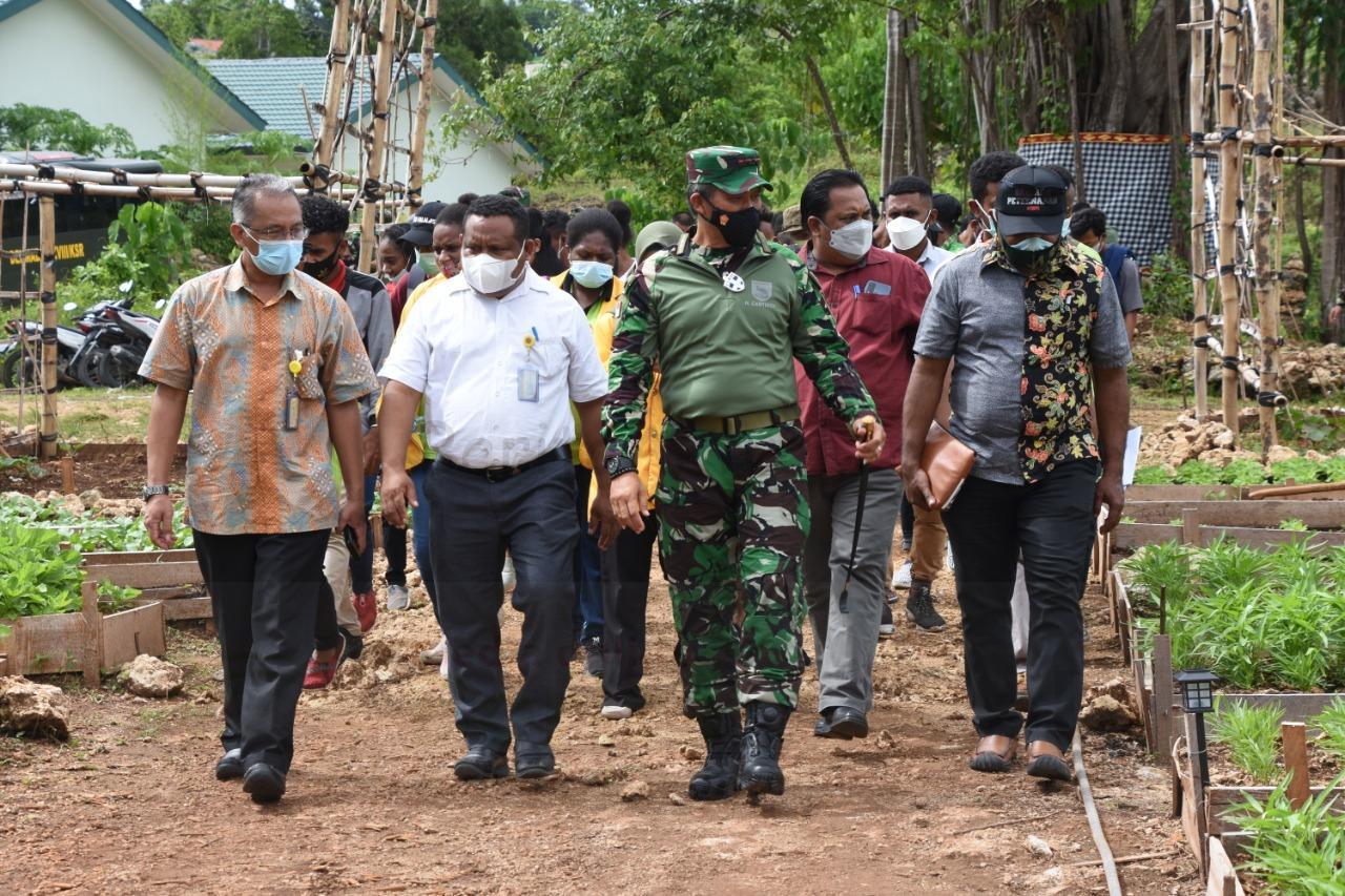 Pangdam XVIII Kasuari Ajak Mahasiswa UNIPA Bangun Papua Barat Menuju Indonesia Maju 7 IMG 20210304 WA0104