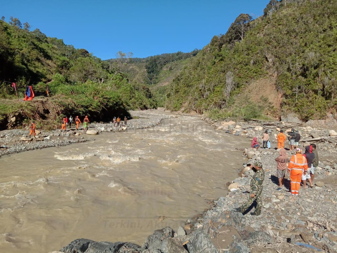 Basarnas Cari Warga Manokwari Terseret Arus di Sungai Didohu 15 IMG 20210315 WA0021