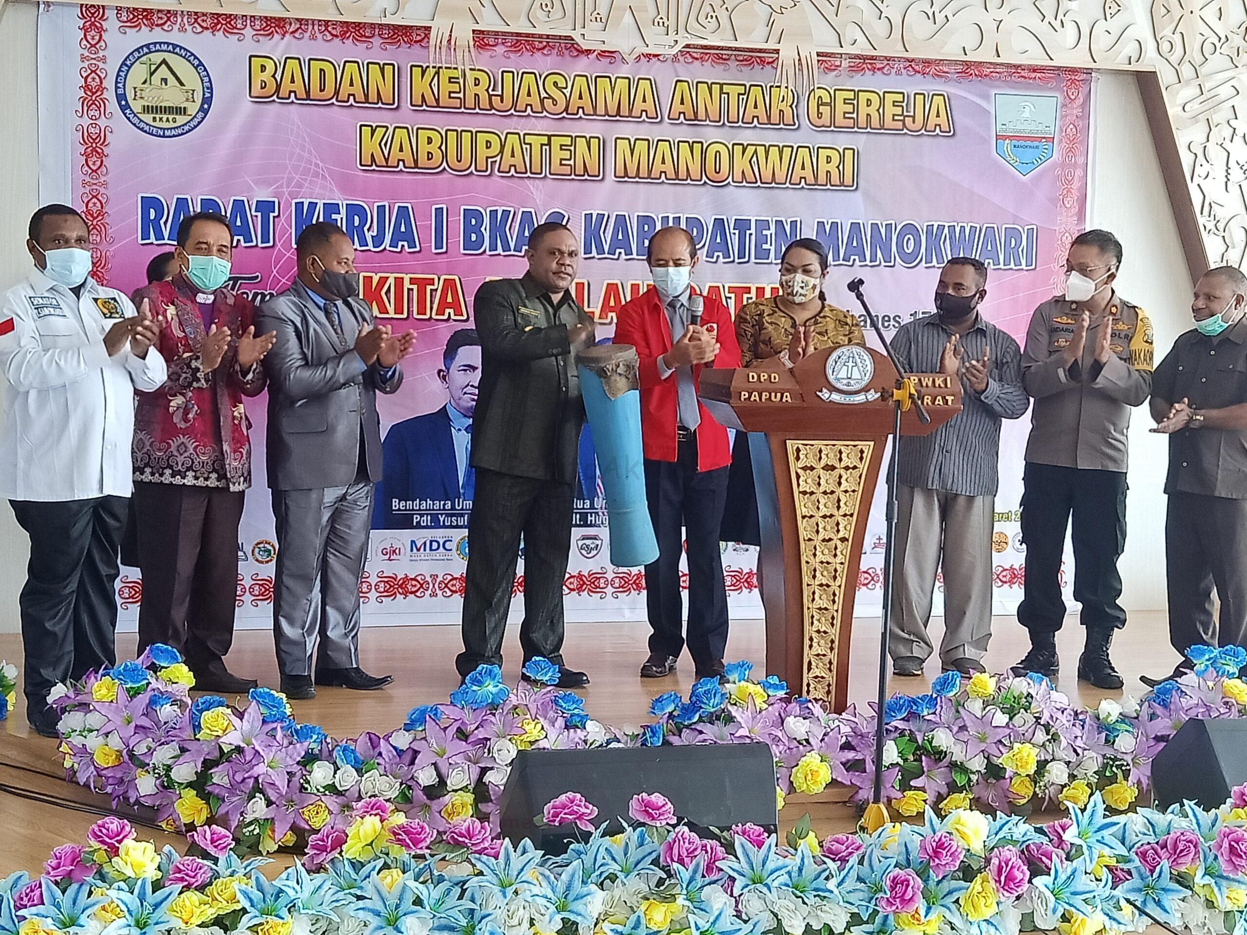 Bupati Manokwari Rapat Kerja BKAG Satukan Persepsi dan Optimalkan Program Kerja Untuk Jemaat 1 IMG20210305102729 scaled