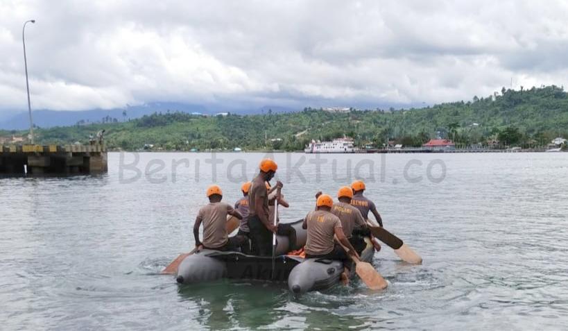 Tingkatkan Kemampuan Anggota Brimob Papua Barat Latihan SAR Laut 18 IMG 20210302 194612