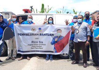 Jawab Aspirasi, Rico Sia Beri Bantuan 1 Unit Mobil Ambulans ke Yapessa Papua Barat 25 20210413 120139