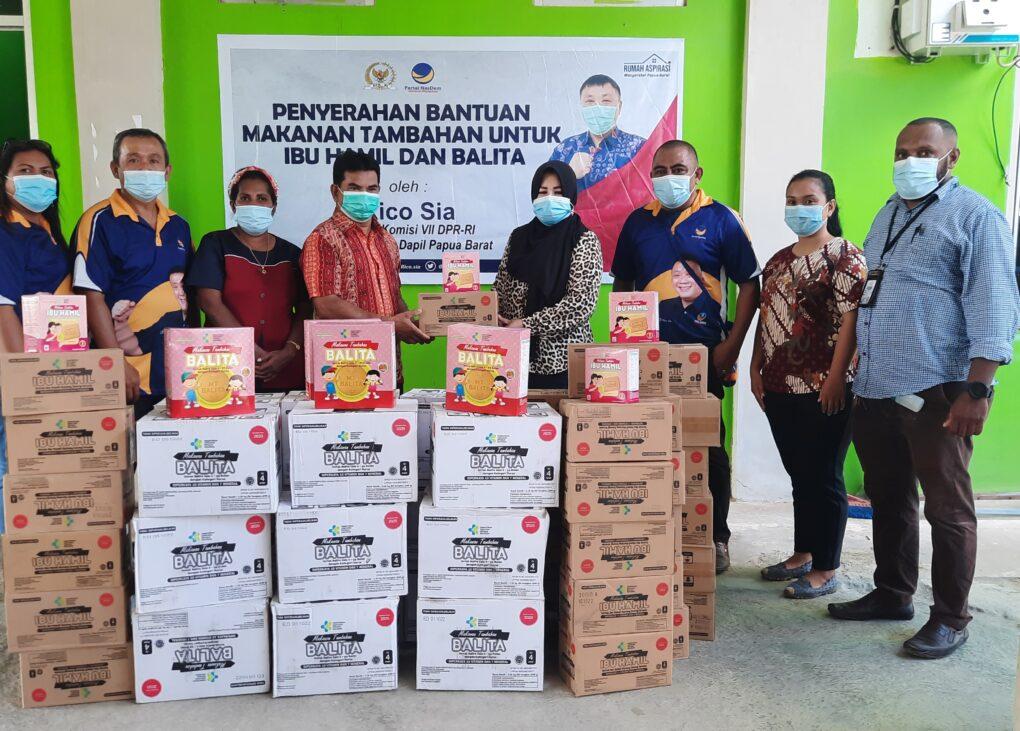 Rico Sia Salurkan Makanan Tambahan Untuk Ibu Hamil Dan Balita ke Empat Puskesmas Kota Sorong 4 20210422 120216