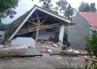 Setelah 6,1, Malang Diguncang Gempa Susulan 5 Kali 8 Orang Meninggal 18 586992699