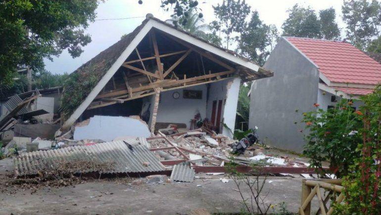 Setelah 6,1, Malang Diguncang Gempa Susulan 5 Kali 8 Orang Meninggal 1 586992699