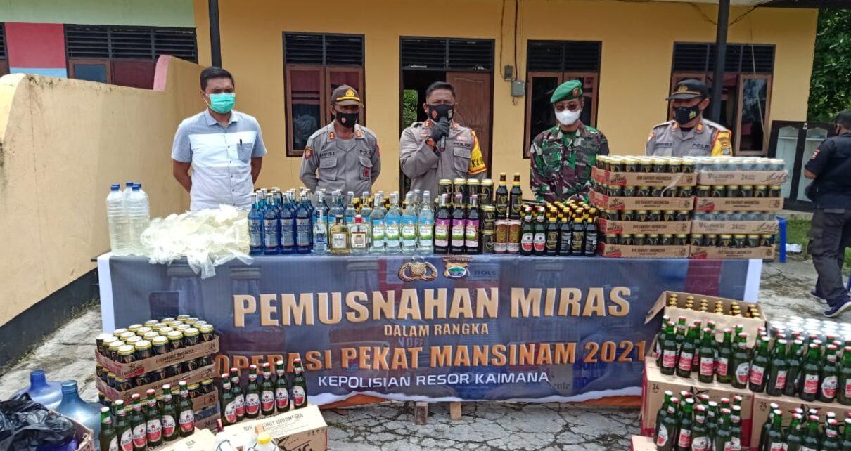Polres Kaimana Musnahkan Miras Sebanyak 4.196 Liter Berbagai Merek 1 IMG 20210506 WA0033