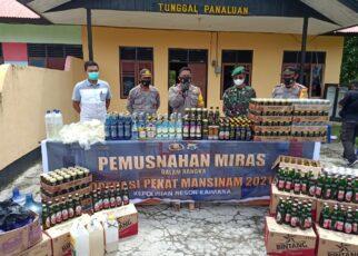 Polres Kaimana Musnahkan Miras Sebanyak 4.196 Liter Berbagai Merek 15 IMG 20210506 WA0033