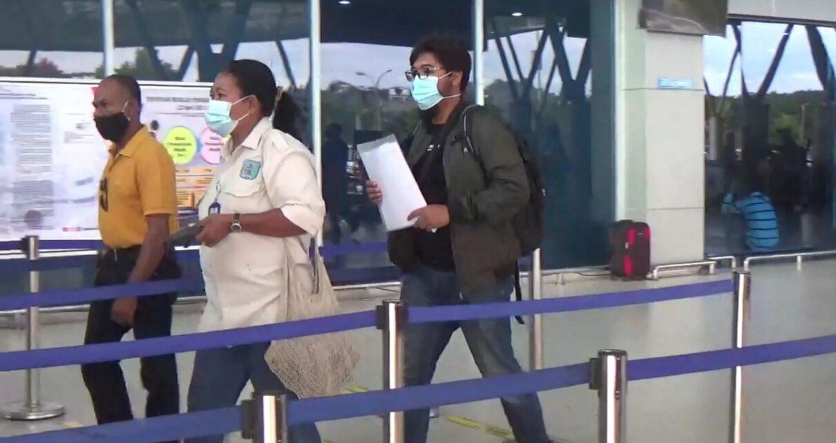 Batal Naik Pesawat, Calon Penumpang Ini Adu Mulut Dengan Petugas di Bandara DEO Sorong 1 IMG 20210508 WA0036 1