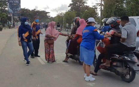 Berkah Ramadhan, Sahabat Rico Sia Bagi 2.600 Takjil Gratis Kota Dan Kabupaten Sorong 4 Screenshot 20210507 202936 Gallery