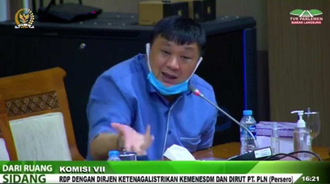 Target Indonesia Terang 2022, Rico Sia Minta PT PLN Terangi Seluruh Desa di Papua Barat Dengan SPEL Dan APDAL 1 Screenshot 20210528 192503 Video Player
