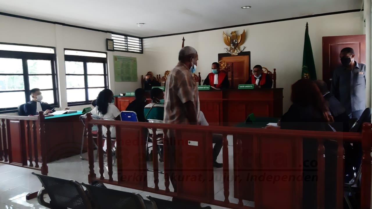 Tak Puas, Keluarga Korban Pembunuhan di Aifat Minta Kejari Sorong Bersikap Adil 6 IMG 20210607 WA0036