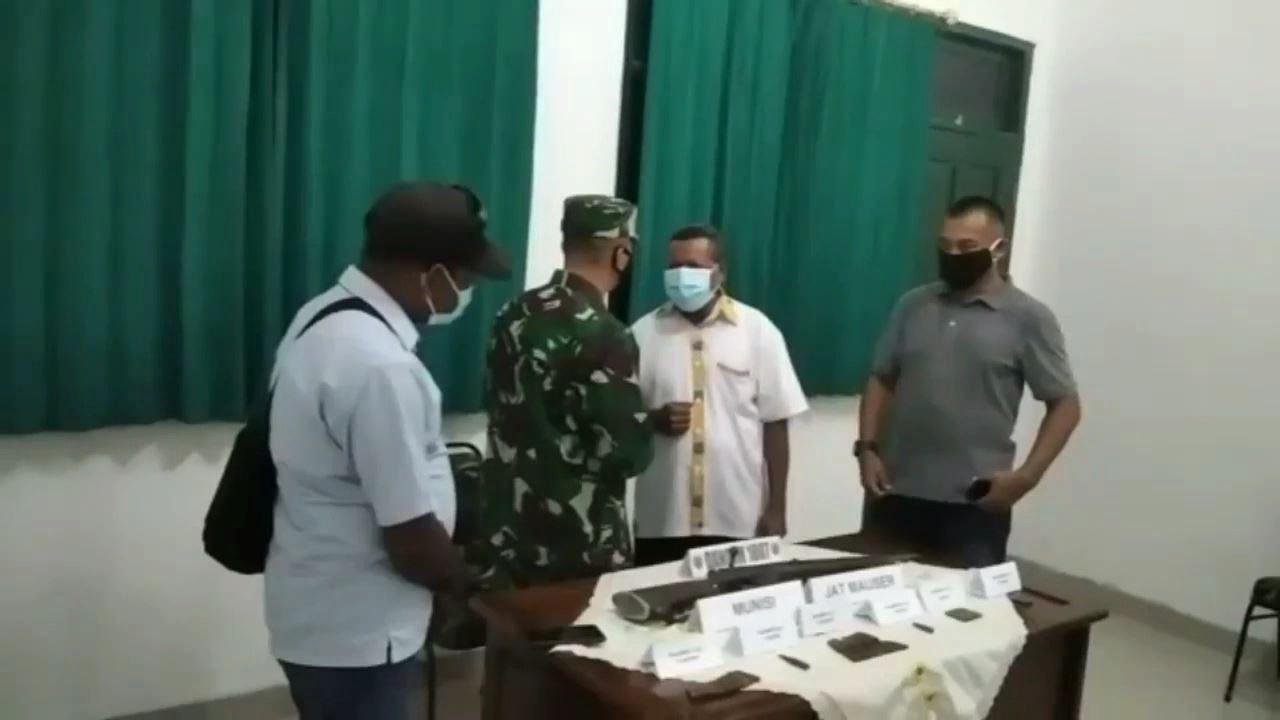 Jaga Kamtibmas Tetap Aman, Warga Sorsel Serahkan Senpi Mauser M59 Bersama 69 Amunisi 4 IMG 20210612 WA0010 1