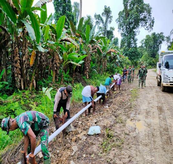 Satgas TTMD Kodim 1806/Bintuni Dan Warga Gotong Royong Bangun Saluran Air Bersih 1 IMG 20210620 WA0029