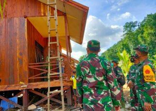 Tim Wasev Sterad Tinjau Perkembangan Program TMMD di Kampung Idoor Bintuni 17 IMG 20210710 WA0065