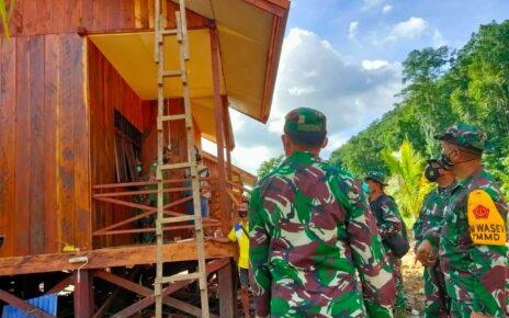 Tim Wasev Sterad Tinjau Perkembangan Program TMMD di Kampung Idoor Bintuni 10 IMG 20210710 WA0065