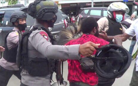 Langgar Prokes, Polisi Bubarkan Aksi Unjuk Rasa Berakhir Ricuh 12 IMG 20210719 WA0065