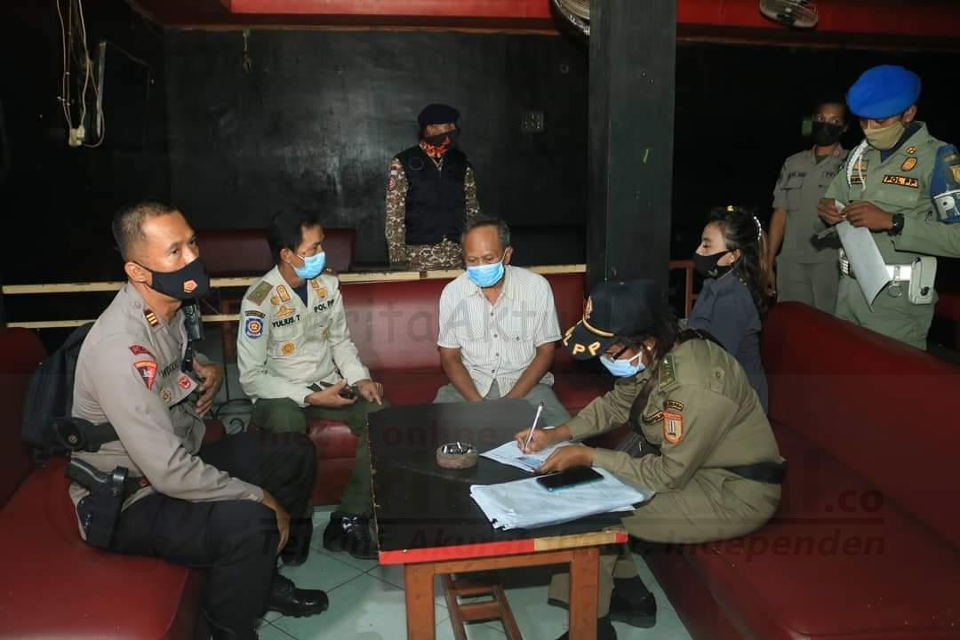 16 Warga Dalam 1 Bar Terjaring Operasi Yustisi Satgas Covid-19 Kota Jayapura 4 FB IMG 1628216319203
