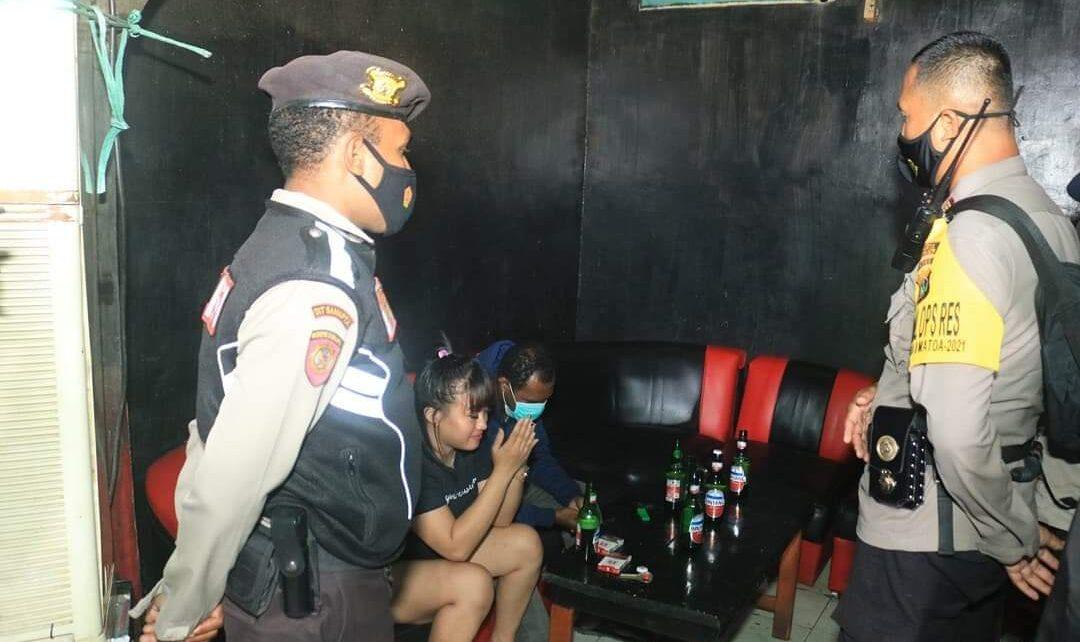 16 Warga Dalam 1 Bar Terjaring Operasi Yustisi Satgas Covid-19 Kota Jayapura 1 FB IMG 1628216325836