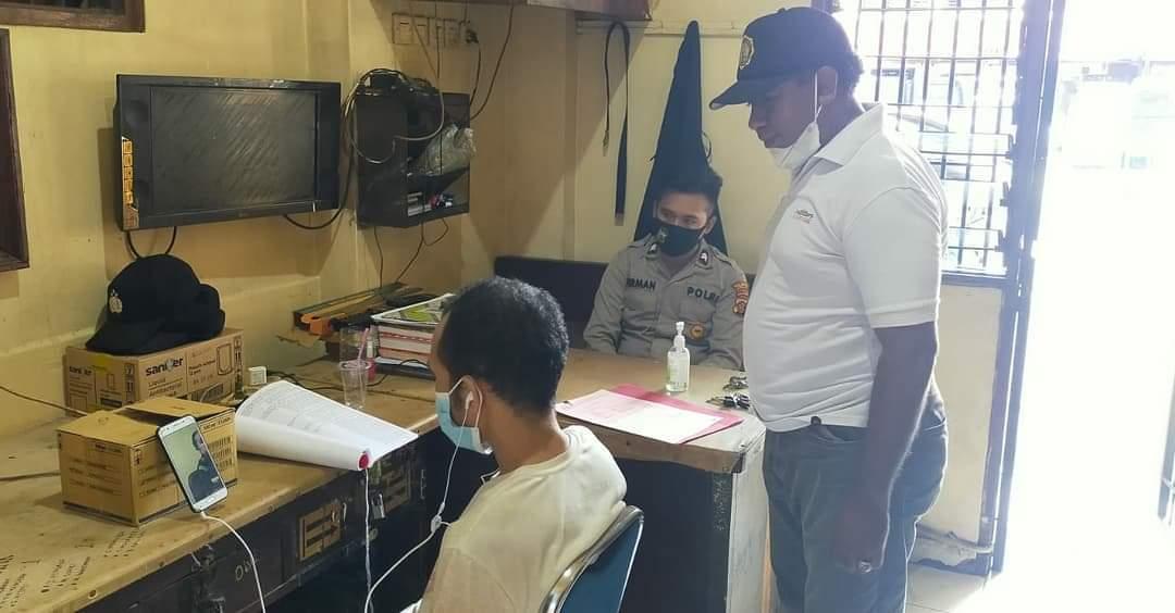 Pelaku Pencurian di Bar Scarlet Diserahkan Penyidik Secara Virtual ke Kejaksaan Jayapura 2 FB IMG 1629810101010