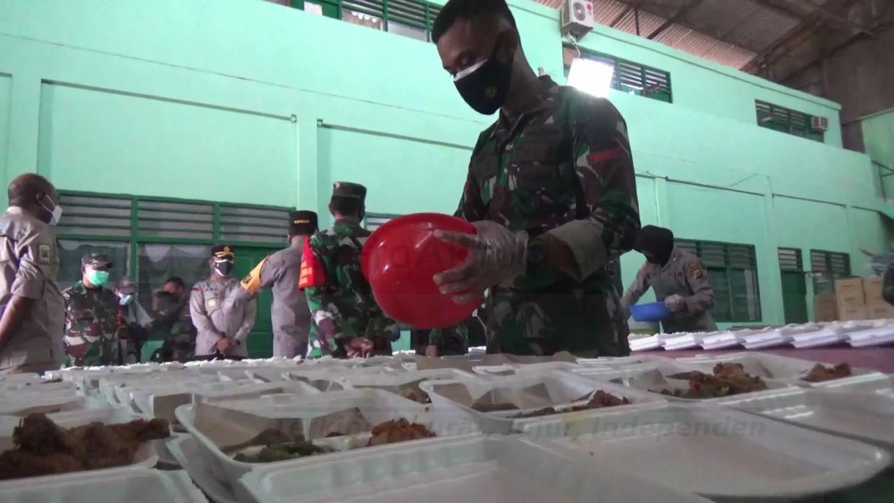 Selama PPKM Kota Sorong, TNI-POLRI Aktifkan Dapur Umum Bagi 400 Kotak Makanan Per Hari 4 IMG 20210802 WA0010