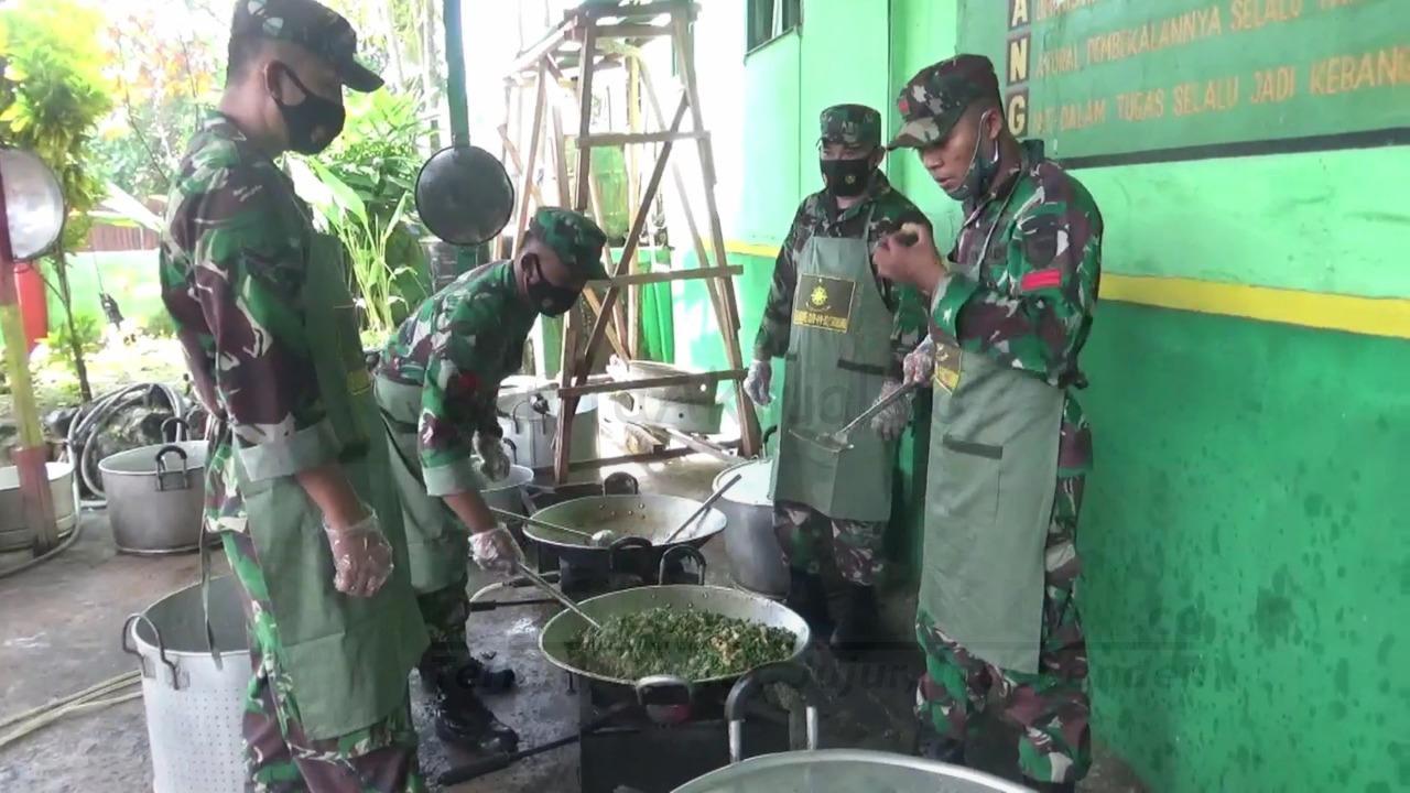 Selama PPKM Kota Sorong, TNI-POLRI Aktifkan Dapur Umum Bagi 400 Kotak Makanan Per Hari 5 IMG 20210802 WA0014