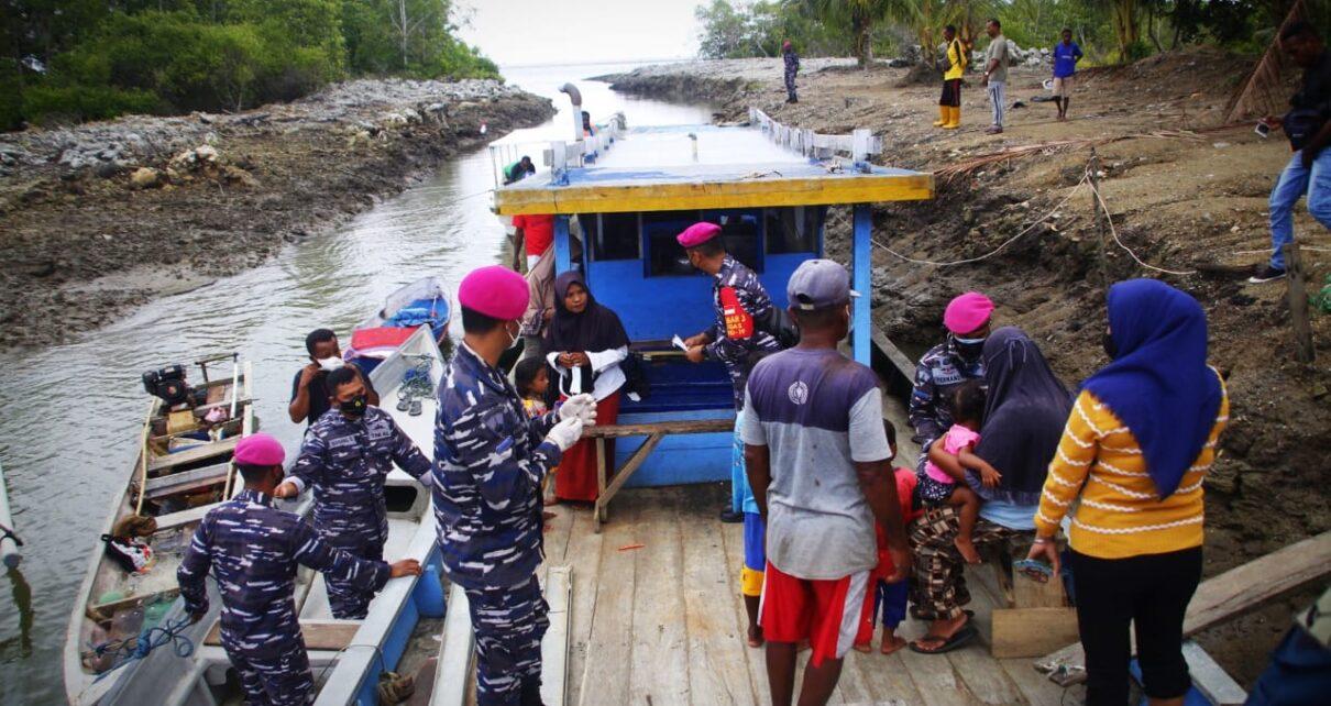 Sukseskan Serbuan Vaksinasi, Korps Marinir TNI AL Jemput Bola ke Kapal Nelayan Desa Arar Mayamuk 1 IMG 20210821 WA0070