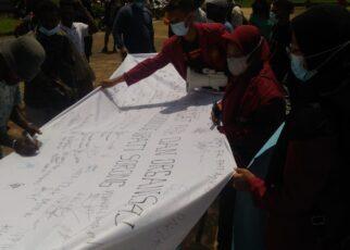 Bupati Sorong Digugat, Masyarakat Kab. Sorong Gelar Orasi Beri Dukungan Petisi 24 IMG 20210824 WA0028