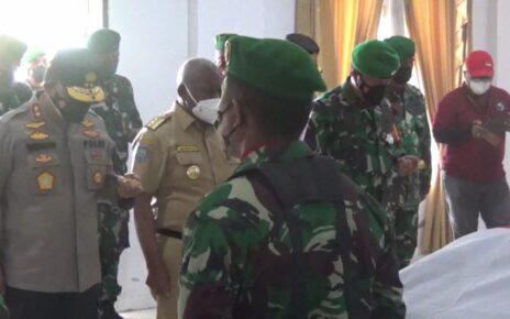Isak Tangis Gubernur, Pangdam Dan Kapolda Papua Barat Melepas Keberangkatan 4 Prajurit TNI 2 IMG 20210903 WA0062