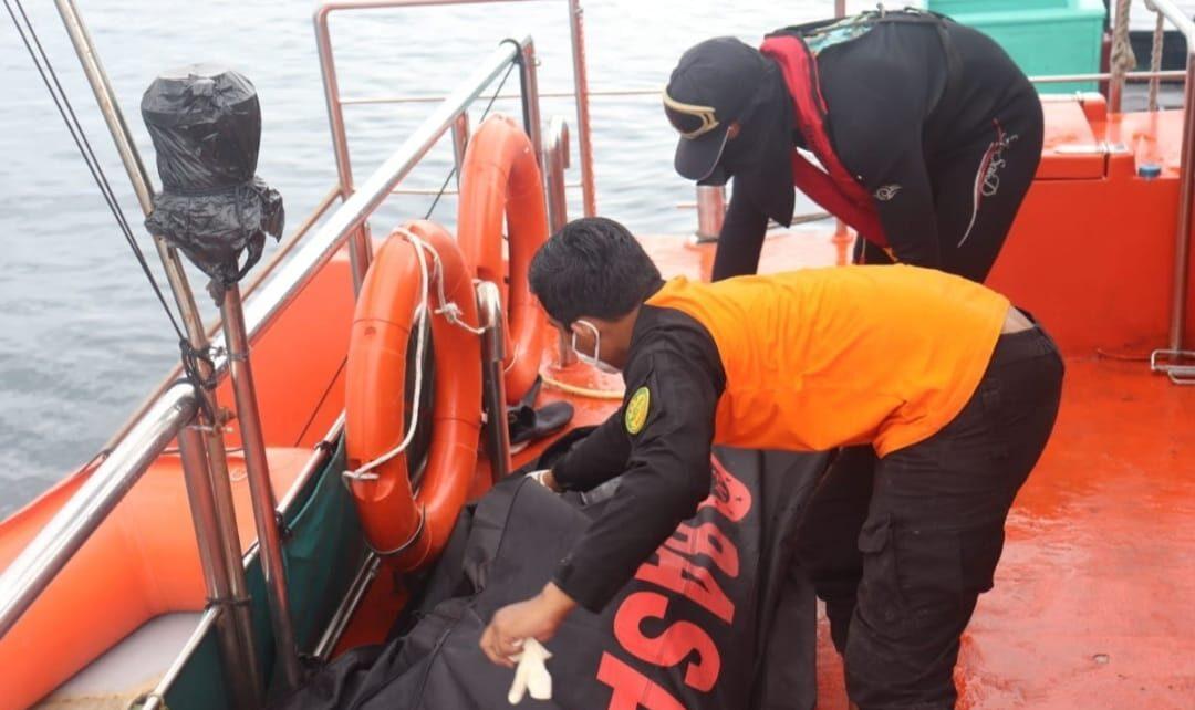6 Hari Pencarian, ABK KM Aspak 15 Ditemukan Dalam Kondisi Terapung 1 IMG 20210916 WA0030