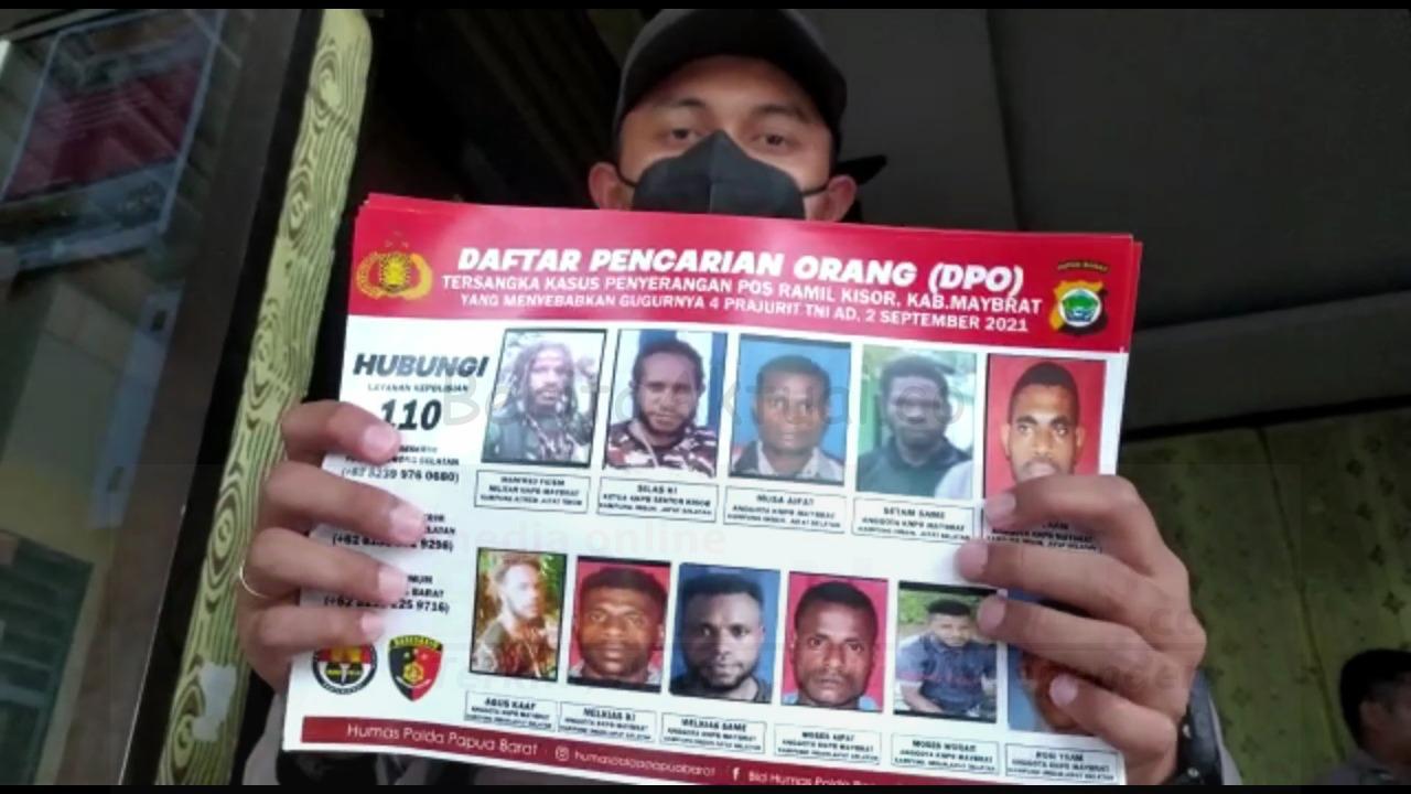 Kejar Pelaku Penyerangan Posramil Kisor, Polisi Sebar Foto DPO di Pelabuhan Dan Tempat Keramaian 4 IMG 20210916 WA0069