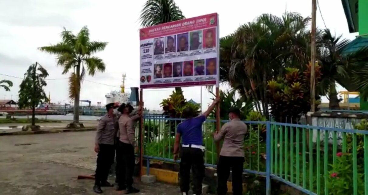Kejar Pelaku Penyerangan Posramil Kisor, Polisi Sebar Foto DPO di Pelabuhan Dan Tempat Keramaian 1 IMG 20210916 WA0070