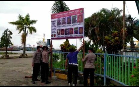 Kejar Pelaku Penyerangan Posramil Kisor, Polisi Sebar Foto DPO di Pelabuhan Dan Tempat Keramaian 8 IMG 20210916 WA0070