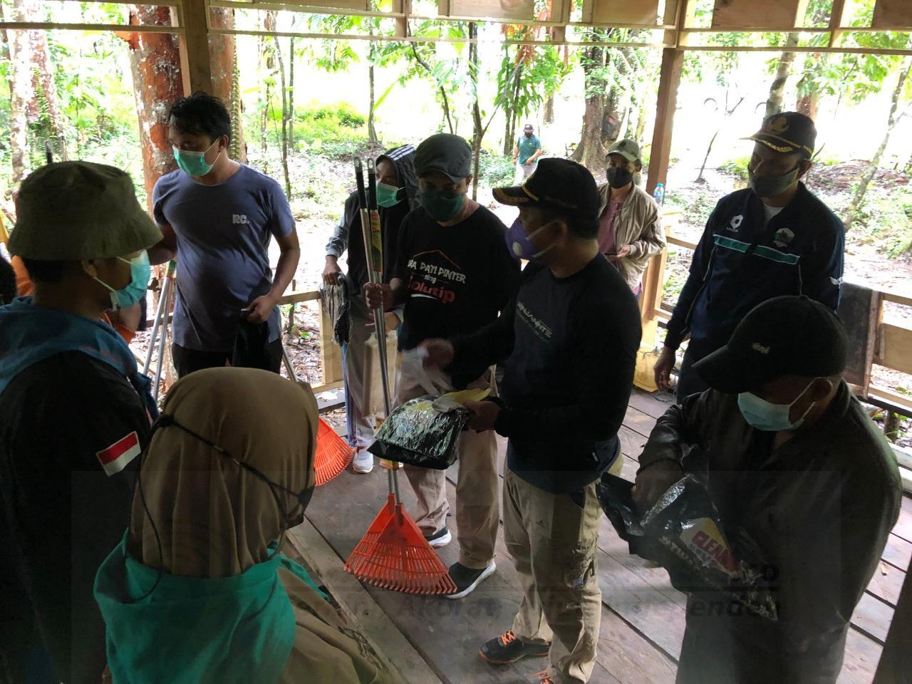 BBKSDA PB Bersama Mitra Bersihkan Taman Wisata Alam Sorong, 90 Karung Sampah Dikumpulkan 4 IMG 20210918 WA0059 1