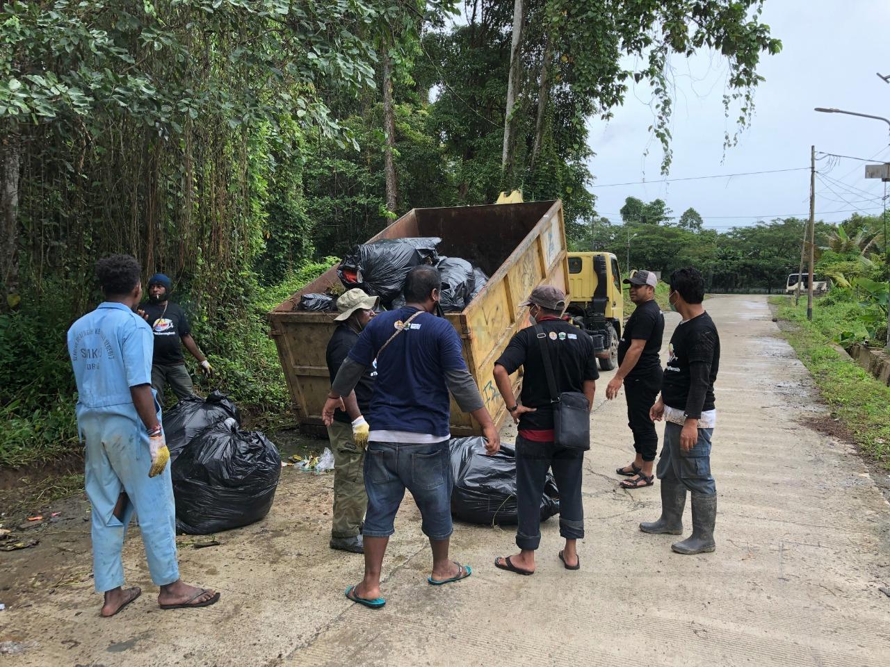 BBKSDA PB Bersama Mitra Bersihkan Taman Wisata Alam Sorong, 90 Karung Sampah Dikumpulkan 3 IMG 20210918 WA0060
