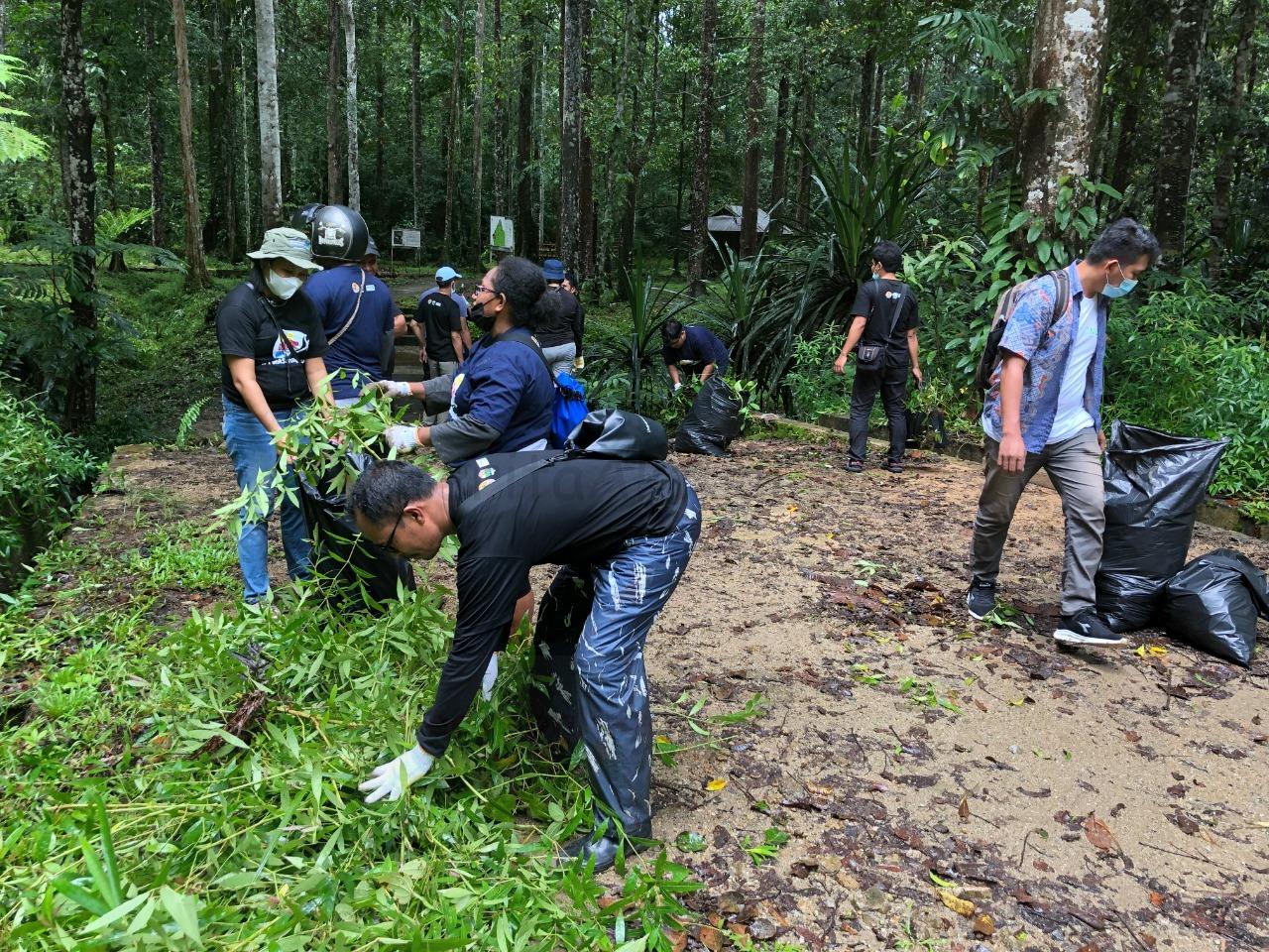 BBKSDA PB Bersama Mitra Bersihkan Taman Wisata Alam Sorong, 90 Karung Sampah Dikumpulkan 2 IMG 20210918 WA0061 1