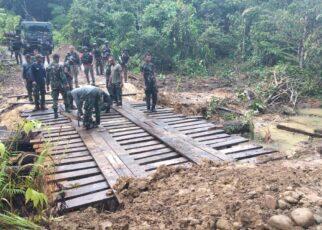 Lampaui Target, TNI - Polri Selesaikan Pembangunan Jembatan di Kampung Fakario Maybrat 5 IMG 20210918 WA0068