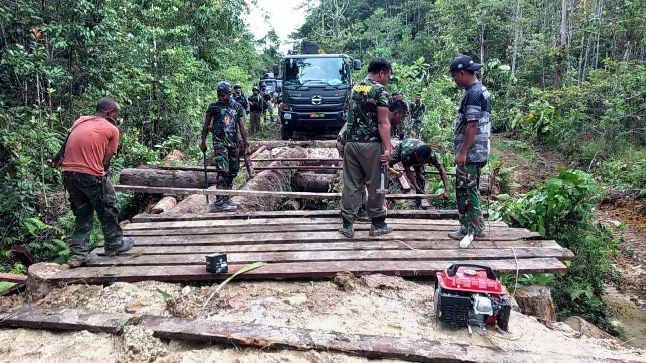 Lampaui Target, TNI - Polri Selesaikan Pembangunan Jembatan di Kampung Fakario Maybrat 2 IMG 20210918 WA0072