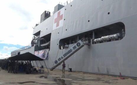 """Sandar di Pelabuhan Sorong, Kapal Perang TNI AL """"KRI Dr Soeharso-990"""" Gelar Vaksinasi 4 IMG 20210922 WA0039"""
