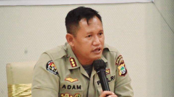 Polda Papua Barat Rilis 17 DPO Kasus Penyerangan Posramil Kisor Maybrat 1 kabid humas polda papua barat kombes adam erwindi