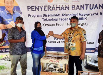 Bantu Tumbuh Kembang Pelaku Usaha, Rico Sia Beri Bantuan TTG Untuk UMKM di Sorong 9 20211015 153837