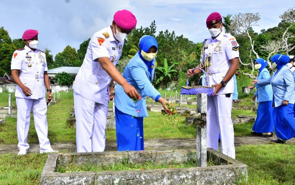 Jelang HUT Ke-76 TNI,Komandan Pasmar 3 Ziarah Ke TMP Tri Jaya Sakti 1 IMG 20211003 WA0002