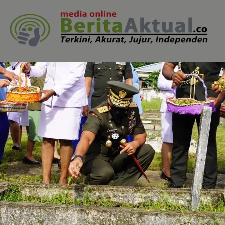 Pimpin Ziarah di TMP Sorong, Pangdam Kasuari Ajak Seluruh Elemen Ingat Jasa Pahlawan 3 IMG 20211003 WA0036