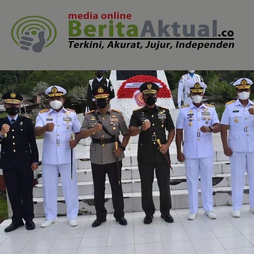 Pimpin Ziarah di TMP Sorong, Pangdam Kasuari Ajak Seluruh Elemen Ingat Jasa Pahlawan 4 IMG 20211003 WA0037